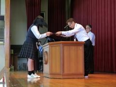 生徒代表として受け取りました