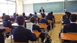 入学式後、クラスにて顔合わせの様子