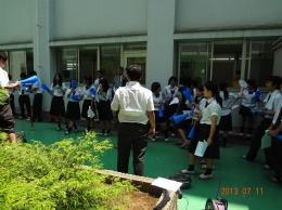 中庭で応援練習